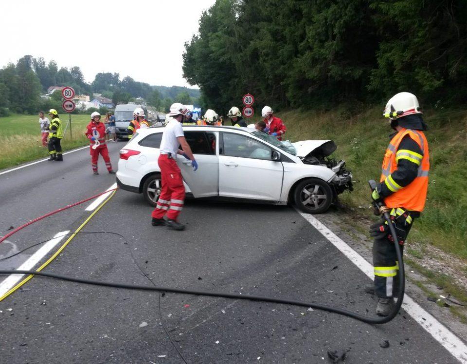 Verkehrsunfall-B145-Wiesen
